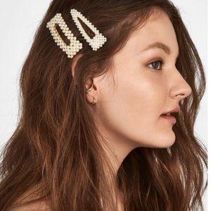 NWOT Anthro baublebar pearl hair pin set of 2